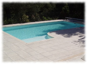 Modele de piscine desjoyaux for Catalogue piscine desjoyaux